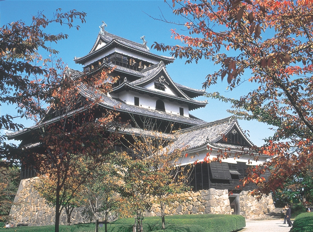 Izumo - Ancient legends, an imposing castle and spectacular gardens