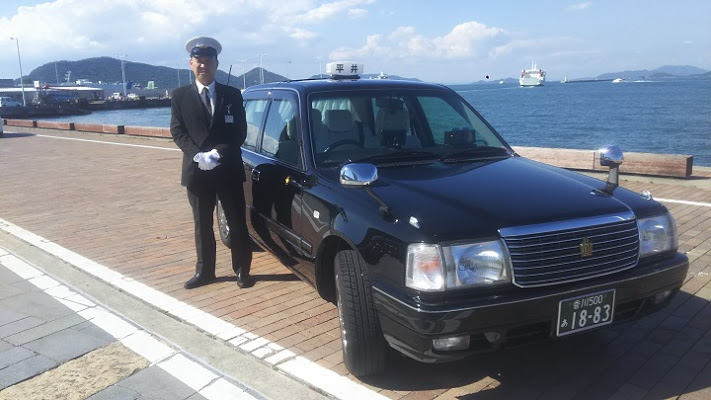 [Request Reservation] 8-Hour Kagawa Chartered Taxi Sedan Plan with English-speaking Driver (Max. 3 People, Round Trip from Takamatsu)