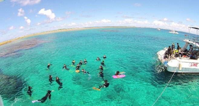 1-Day Okinawa Kerama Islands Introductory Diving & Snorkeling Tour (From Naha)
